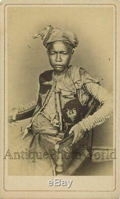 China wealthy Chinese man in amazing ethnic attire antique CDV photo