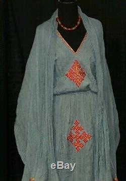 Ethiopian traditional cotton dress. 100 % hand woven cotton. Size medium / large
