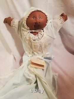 The Little People Soft Sculptures Ethnic Doll by Xavier Roberts 1981 Preemie II